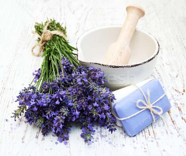 Spa ürünleri lavanta çiçekler eski ahşap Stok fotoğraf © almaje