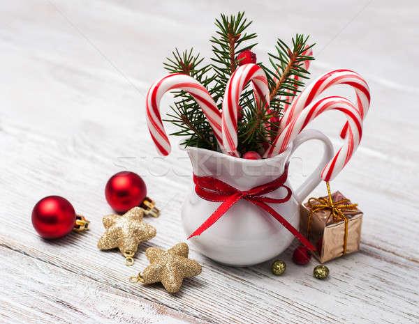 Brocca Natale candy tavolo in legno albero felice Foto d'archivio © almaje