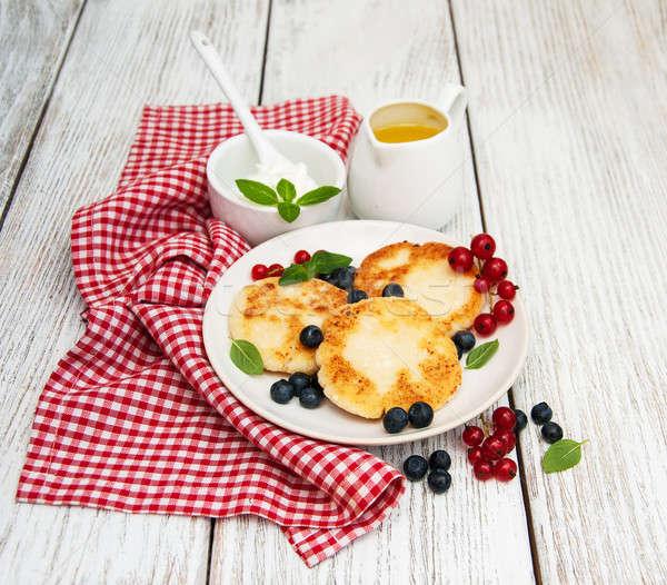 Fromage cottage crêpes myrtille table en bois alimentaire cuisine Photo stock © almaje