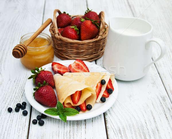 Stock fotó: Eprek · áfonya · palacsinták · öreg · asztal · gyümölcs