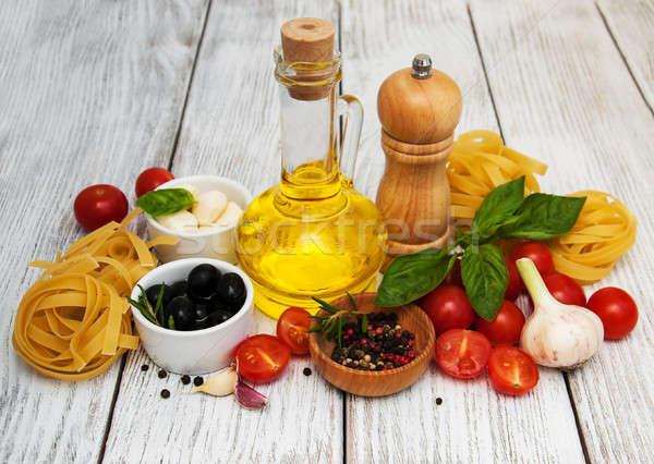 Cucina italiana ingredienti vecchio legno tavola olio Foto d'archivio © almaje