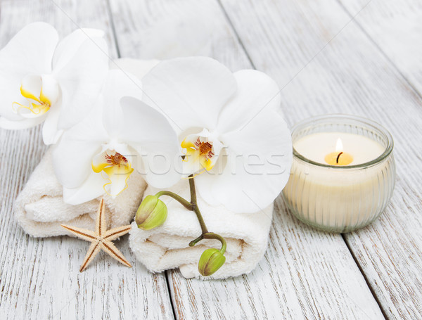 Spa handdoek orchideeën witte bloemen tabel Stockfoto © almaje