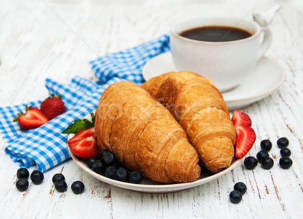 свежие Ягоды кофе круассан фон Сток-фото © almaje