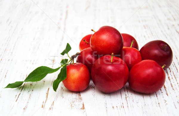 édes szilva öreg fából készült étel levél Stock fotó © almaje