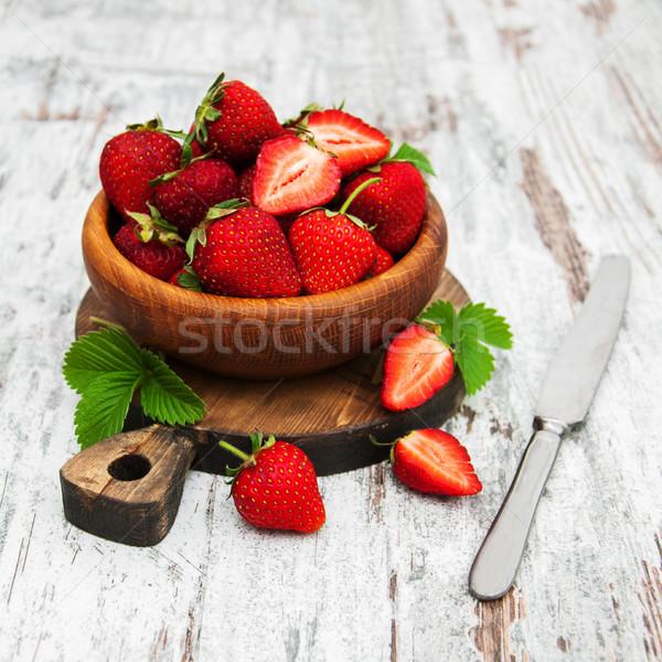 Stok fotoğraf: çanak · taze · çilek · ahşap · masa · ahşap · meyve