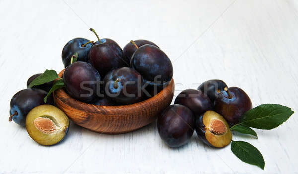 édes szilva öreg fából készült étel természet Stock fotó © almaje