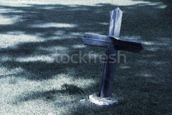 墓地 夏 クローズアップ クロス ヶ月 死 ストックフォト © AlphaBaby