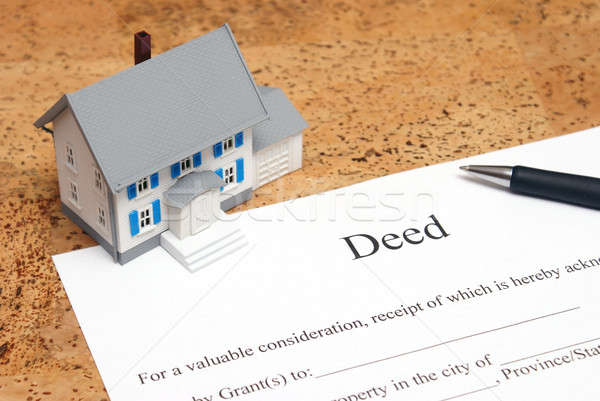Uczynek domu skali finansowych inwestycja pióro Zdjęcia stock © AlphaBaby