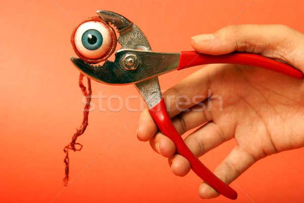Agarrando horror globo ocular par olho médico Foto stock © AlphaBaby