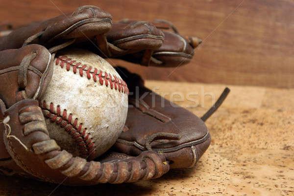 Gant de baseball faible contraste image bien utilisé Photo stock © AlphaBaby