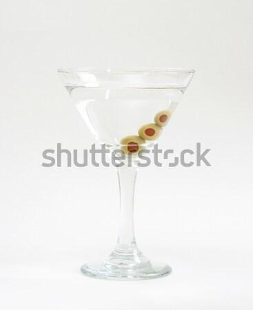 Vodka martini trois fraîches olives à l'intérieur bar Photo stock © AlphaBaby