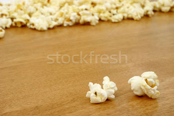 Popcorn twee stukken veel voedsel hout Stockfoto © AlphaBaby