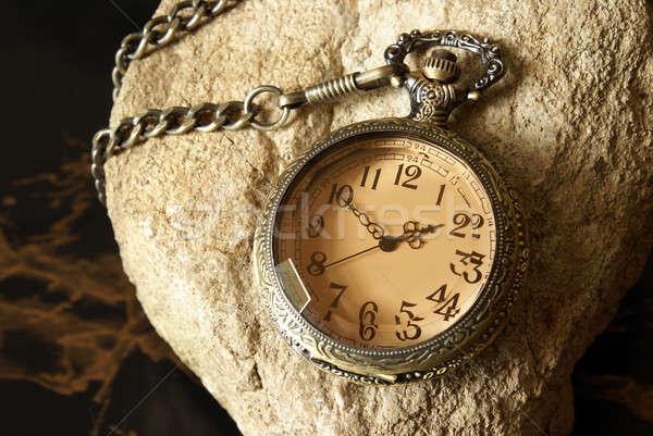 Reloj de bolsillo macro tiro antiguos rock Foto stock © AlphaBaby