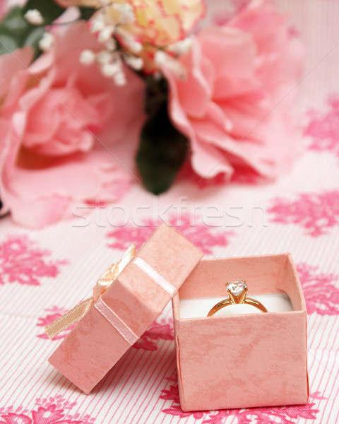 Anello di diamanti bella rosa gioielli finestra donna Foto d'archivio © AlphaBaby
