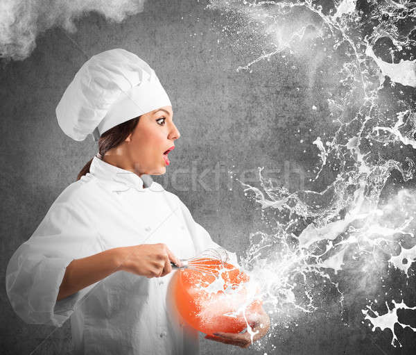 Splash room chef uit kom meisje Stockfoto © alphaspirit