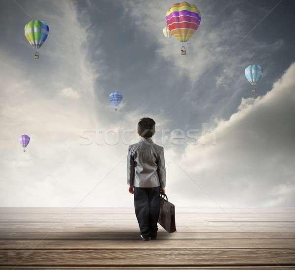 Jóvenes esperanzado empresario búsqueda futuro negocios Foto stock © alphaspirit
