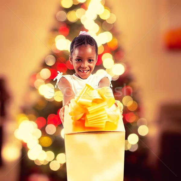 Stockfoto: Christmas · geschenken · kinderen · gelukkig · meisje · groot