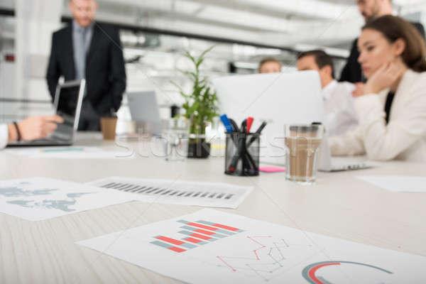 Equipo junto empresa estadística trabajo en equipo Foto stock © alphaspirit
