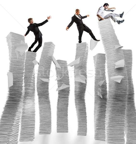 Negocios hombres de negocios inestable papel empresario trabajador Foto stock © alphaspirit