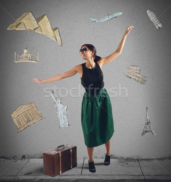 Dromerig elegante toeristische volgende bestemming meisje Stockfoto © alphaspirit