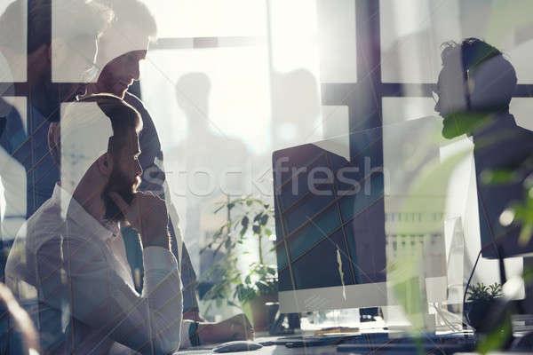 Zakenlieden kantoor internet netwerk startup bedrijf Stockfoto © alphaspirit