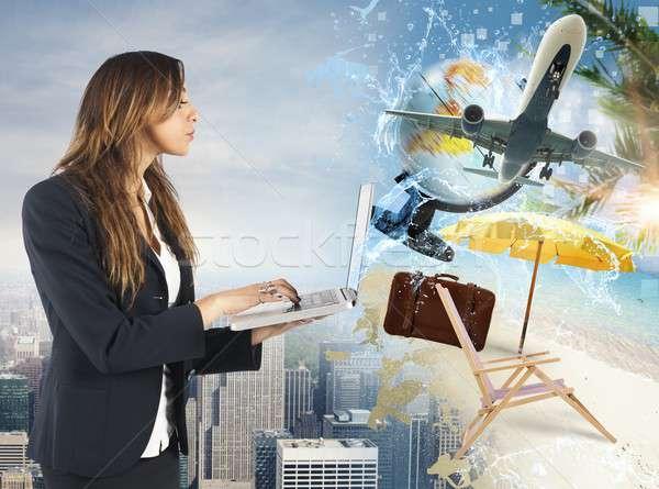 Organizar verão férias empresária organizado laptop Foto stock © alphaspirit