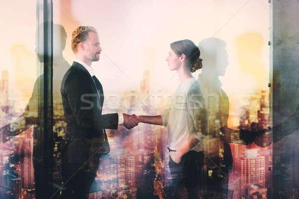 Stock fotó: Kézfogás · kettő · üzletember · iroda · együttműködés · csapatmunka