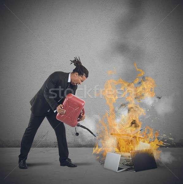 Empresário informática negócio caderno gritar Foto stock © alphaspirit