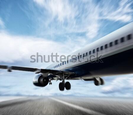 Aeronave viajar noite cidade moderno escritório Foto stock © alphaspirit