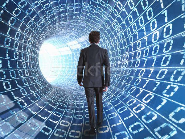 Işadamı Internet kablo yürüyüş ağ ışık Stok fotoğraf © alphaspirit