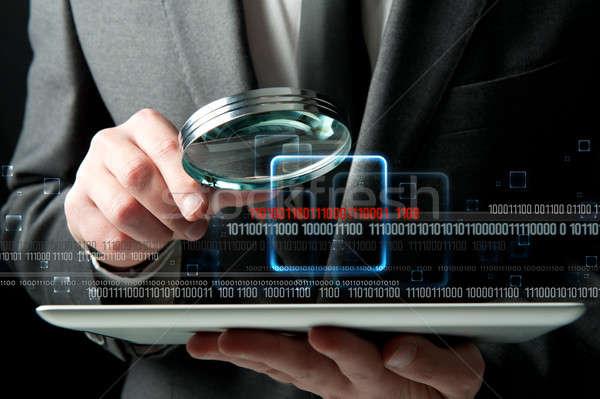 Vírus keresés üzletember külső rosszakaratú kód Stock fotó © alphaspirit