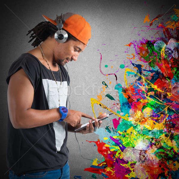Hip-hop stil müzik erkek şapka dinleme Stok fotoğraf © alphaspirit