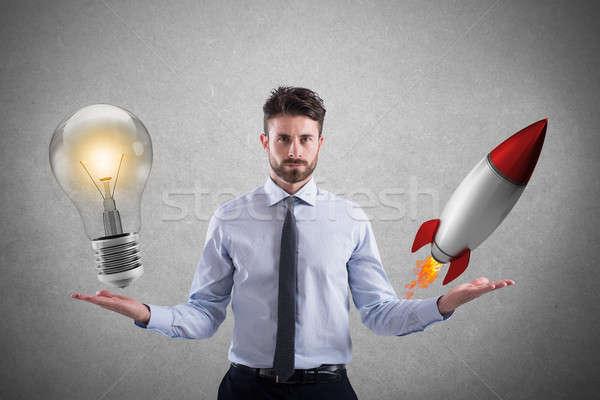 Business idee startup zakenman gloeilamp raket Stockfoto © alphaspirit