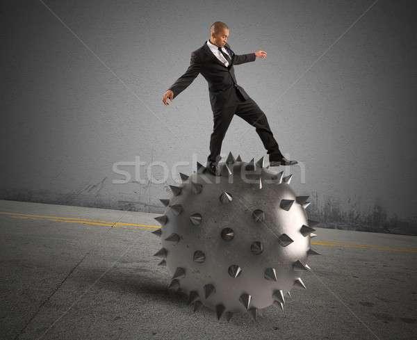 Foto stock: Saldo · crise · homem · empresário · bola · trabalhador