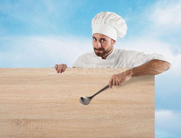 Szakács merőkanál tábla mosolyog papír étel Stock fotó © alphaspirit