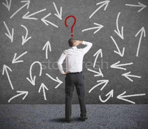 Moeilijk keuzes zakenman man helpen toekomst Stockfoto © alphaspirit
