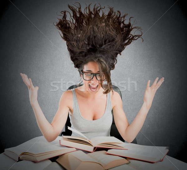 Stresujące badania książek kobieta krzyczeć książki Zdjęcia stock © alphaspirit