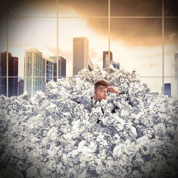 Begraven zakenman papier business Stockfoto © alphaspirit
