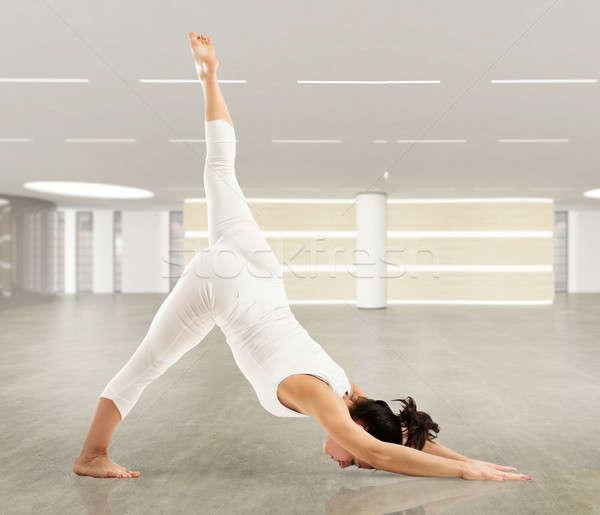 пилатес осуществлять женщины тело мышцы йога Сток-фото © alphaspirit