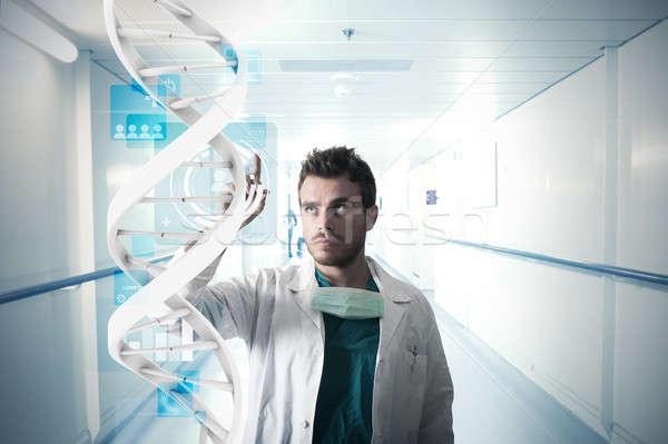 Doktor dokunmatik ekran el çalışmak tıbbi hastane Stok fotoğraf © alphaspirit