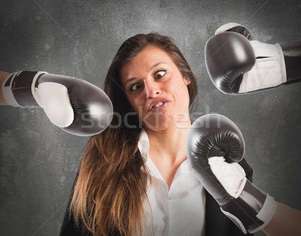 üzletasszony nő munka munkás vicces verekedés Stock fotó © alphaspirit