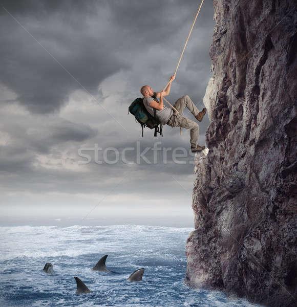 Odkrywca górskich ryzyko spadek morza Zdjęcia stock © alphaspirit