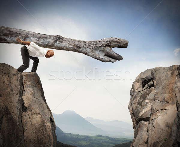 Akadály megoldás férfi kettő hegyek munka Stock fotó © alphaspirit