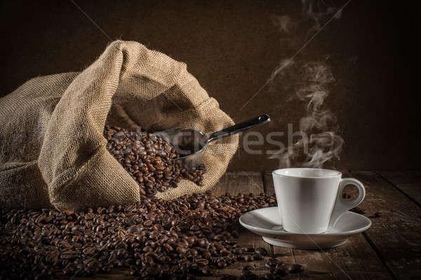 Foto stock: Copo · grãos · de · café · saco · comida · café