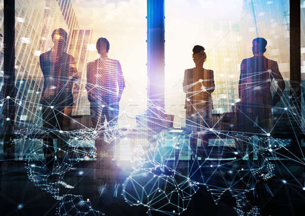 Foto stock: Grupo · compañero · de · negocios · mirando · futuro · red · digital