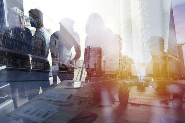 グループ ビジネスパートナー 見える 将来 企業 スタートアップ ストックフォト © alphaspirit