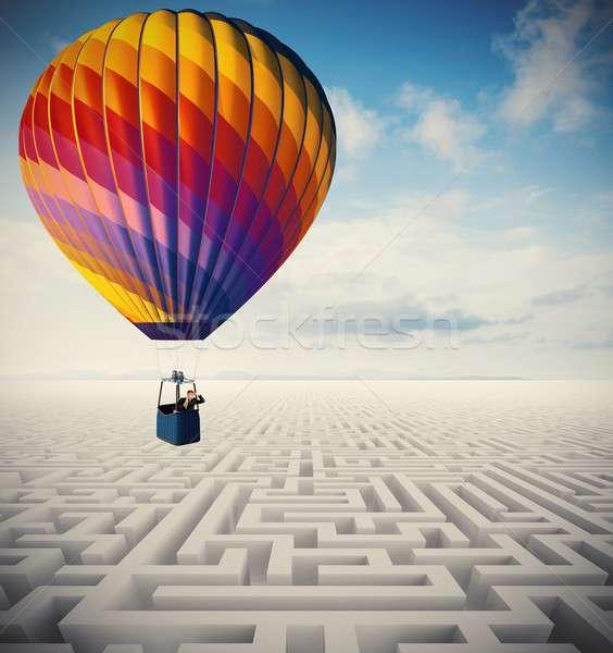 Obstakels zakenman luchtballon succes vrijheid ballon Stockfoto © alphaspirit