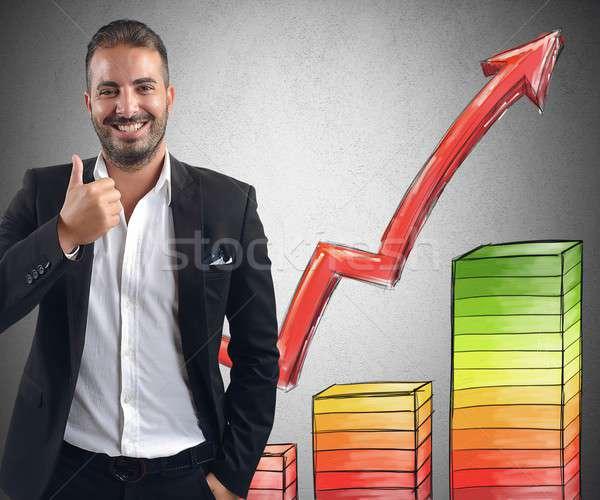 Geschäftsmann Gewinne lächelnd erreicht Business Mann Stock foto © alphaspirit