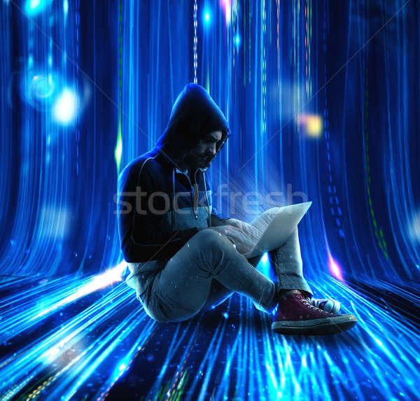 Tajemniczy hacker człowiek komputera bezpieczeństwa sieci Zdjęcia stock © alphaspirit