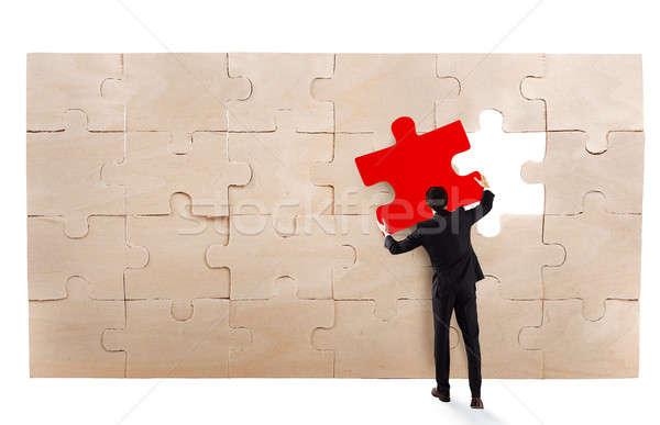 Brakujący kawałek puzzle biznesmen działalności Zdjęcia stock © alphaspirit